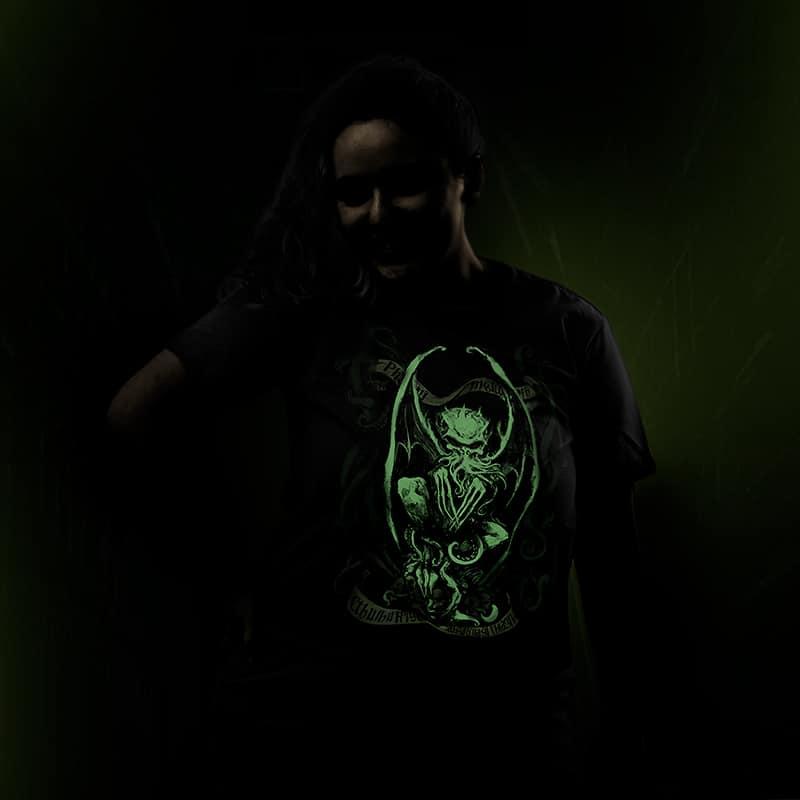 Camiseta Cthulhu Blackout Edition
