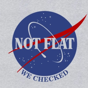 Camiseta Not Flat We Checked