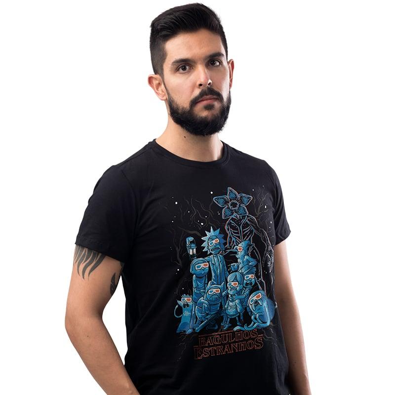 Camiseta Personagens - Bagulhos Estranhos
